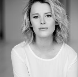 Charlotte Aubin  JULIE PERREAULT
