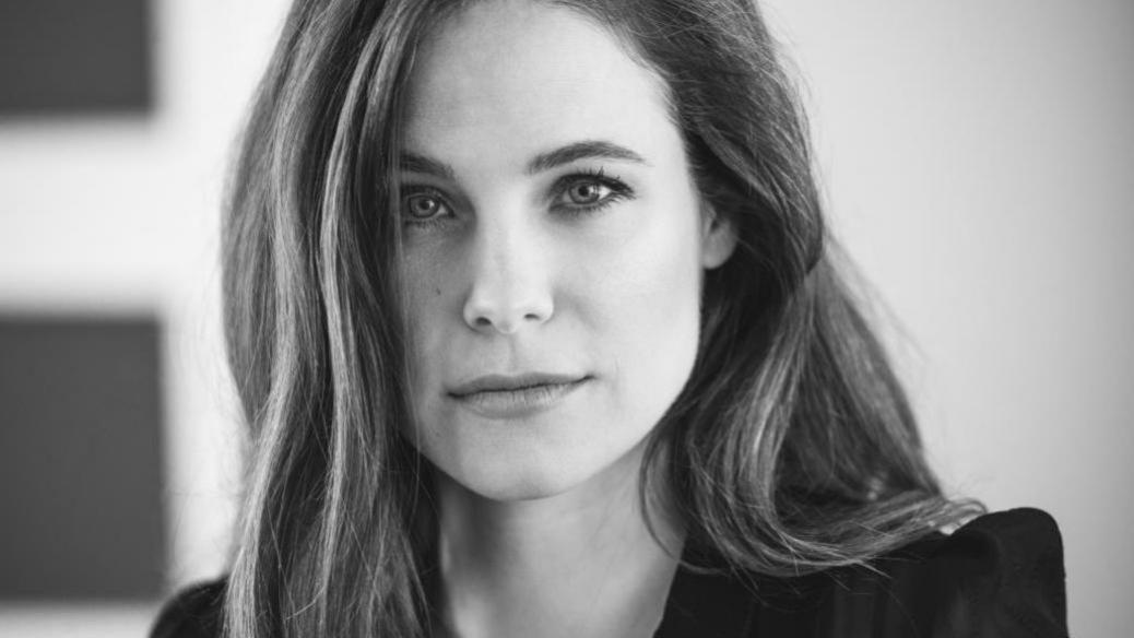 Caroline Dhavernas dans une nouvelle série jeunesse réalisée par Sarah Pellerin