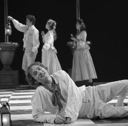 Emmanuel Bilodeau  Dans Le mariage de Figaro (M.e.s.Normand Chouinard) ©Yves Renaud