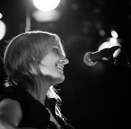 Brigitte Saint-Aubin   Photo: Alexandre Bédard