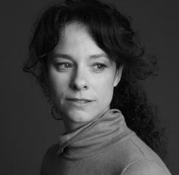 Isabelle Cyr  Heidi Hollinger