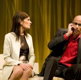 James Hyndman  James Hyndman et Anne-Marie Cadieux dans Le dieu du carnage (M.e.s. Lorraine Pintal) ©Yves Renaud
