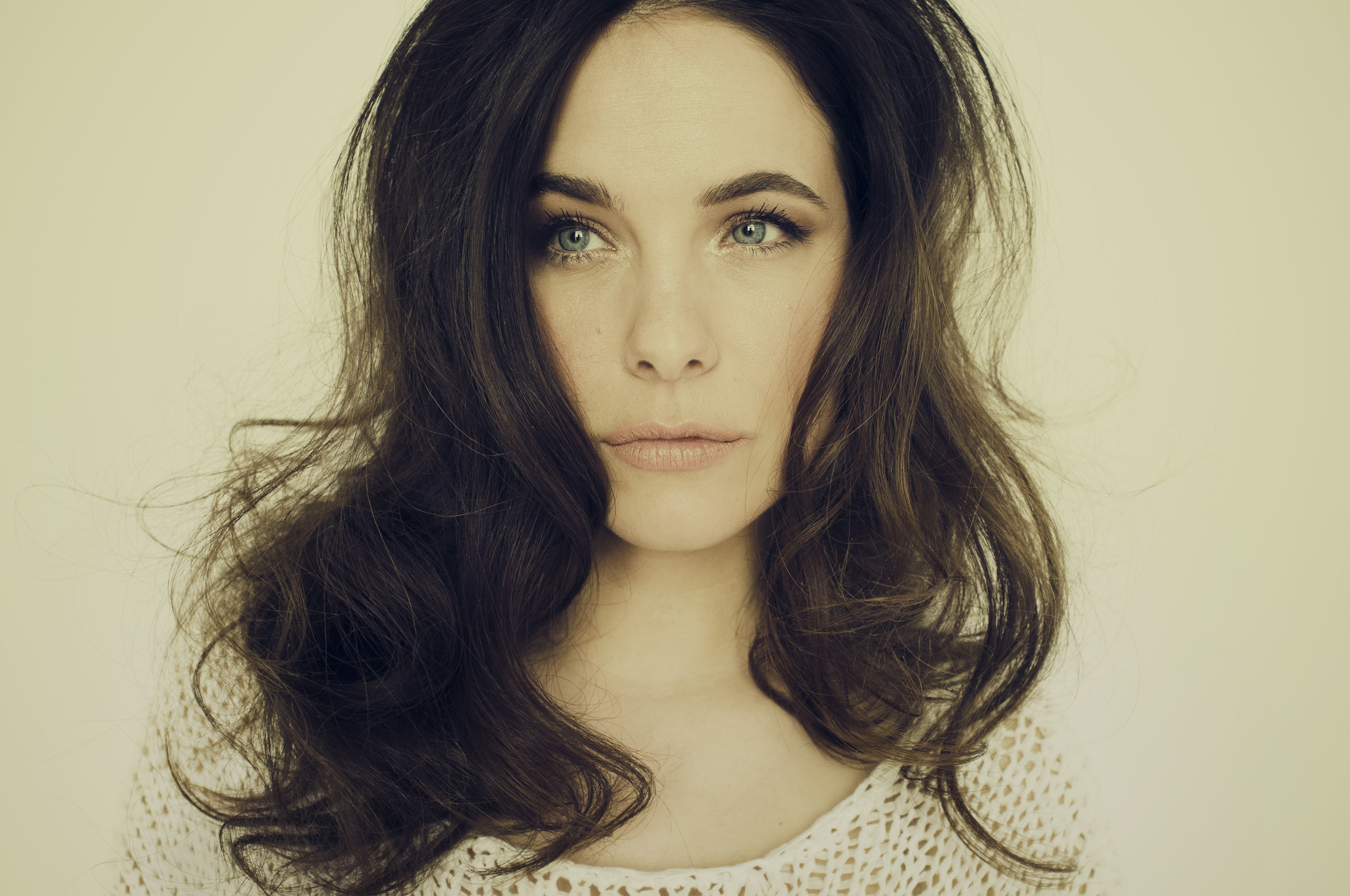 Caroline Dhavernas don flood